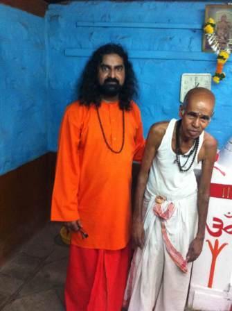 Mj with priest at Nath Mandir_saint2compressed