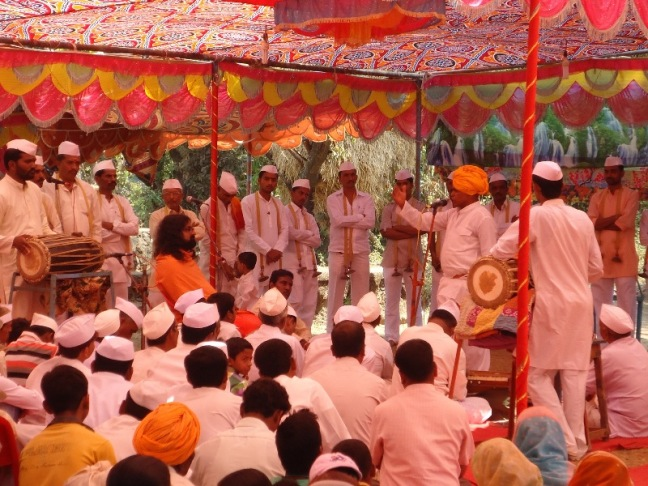 Mohanji at Bhajan_kirtan at nearby village from Datta Tapovan