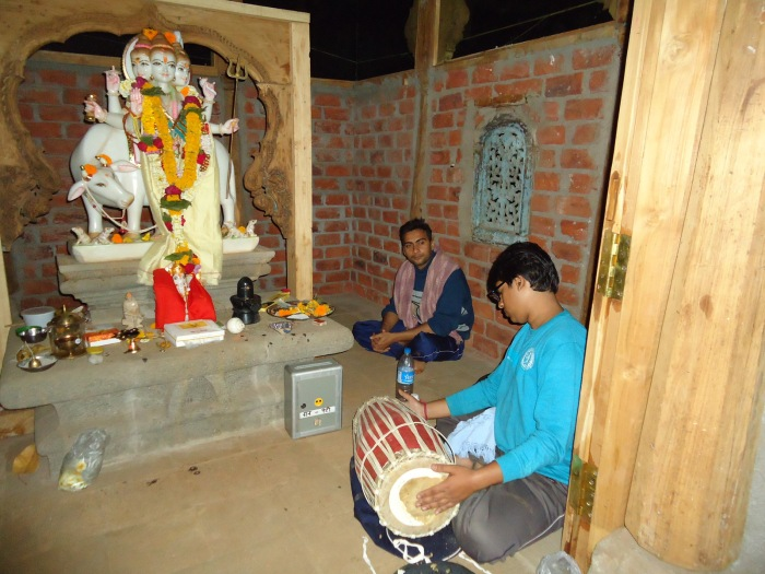 Abhishek, naam japa, homa, Hanuman chalisa, ..... all were filled with energy and happiness on Maha Shivaratri