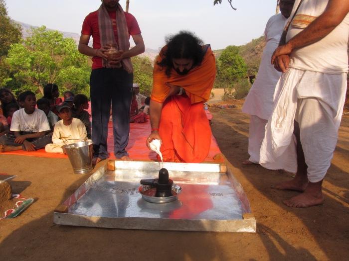 Akhand Abhishek on Maha Shivaratri at Datta Tapovan