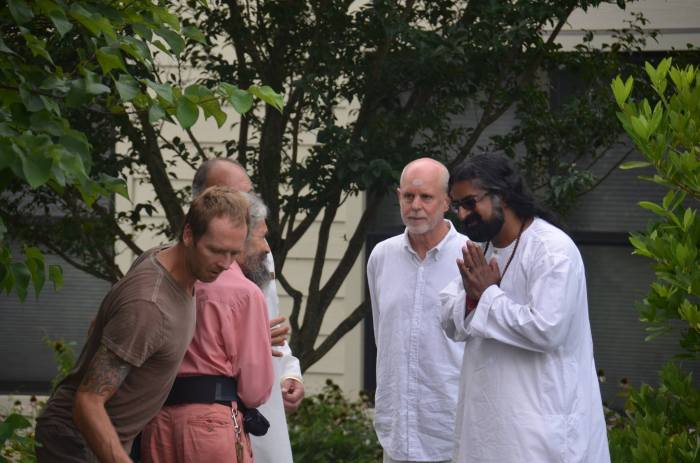 Mohanji at the Yogaville ashram pic2