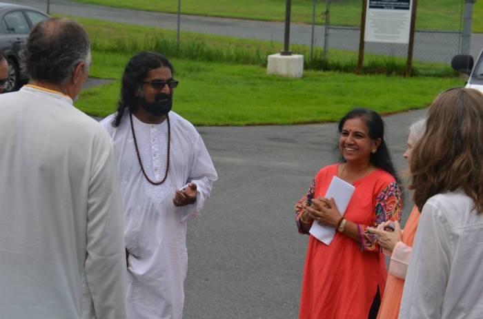 Mohanji at the Yogaville ashram pic3