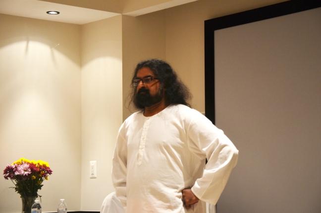 Mohanji demonstrating