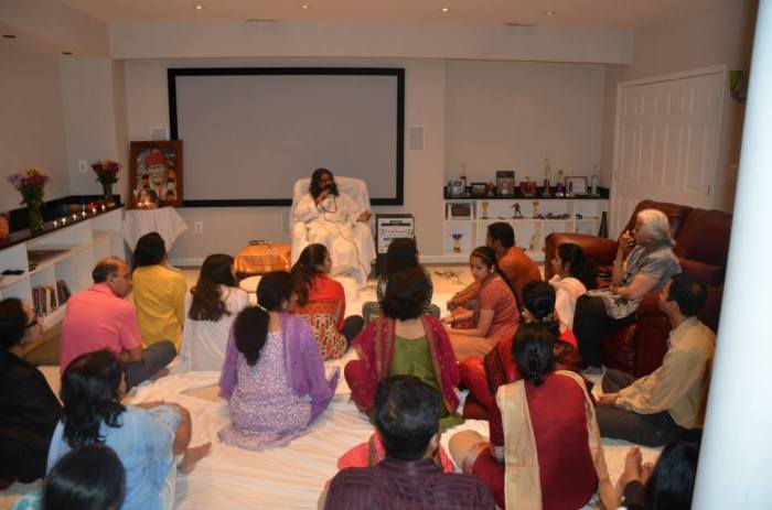 Mohanji's devotees were very excited to be led through the meditation with their beloved Master.