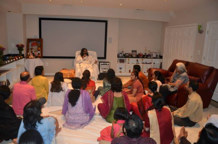 What started out to be an event for a very small group of devotees turned out to be meditation and Shaktipat for over 50 attendees.