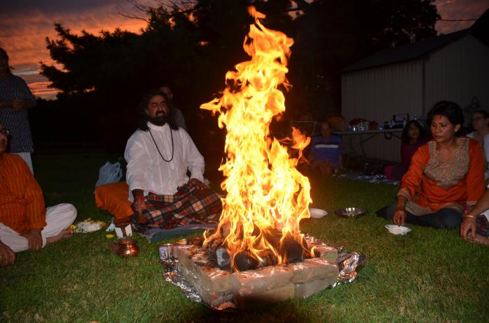 Mohanji - Homa - Fire ritual in the USA