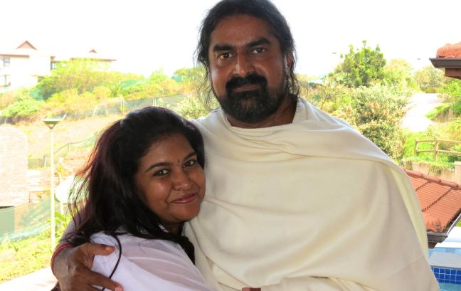 Mohanji and Keshnie.  Signs you are always with me