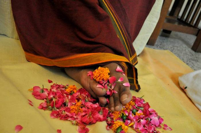 Mohanji's lotus feet
