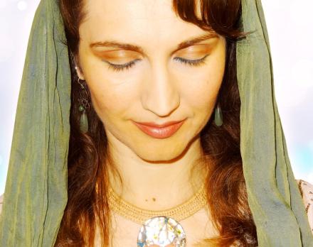 Image 10-biba-green-veil-eyes-closed