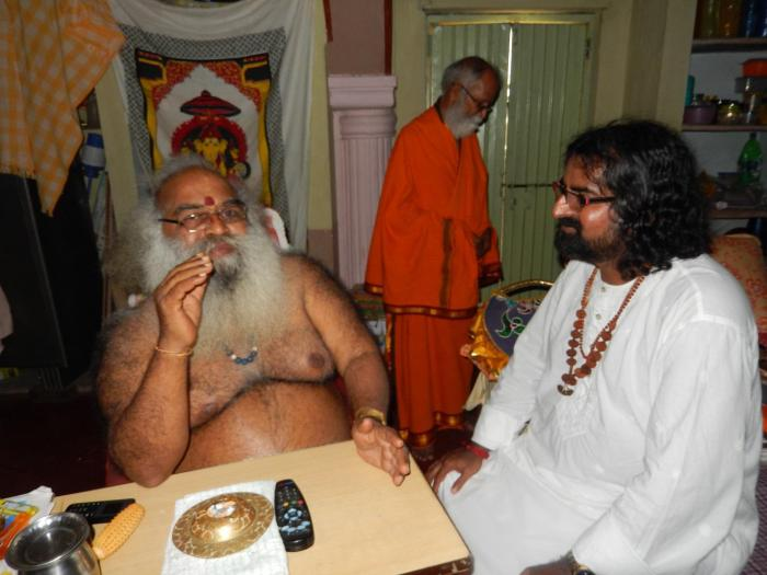 Mohanji in conversation with Sri Sri Sri Swamy Vitthal Babaji, We witnessed such a immense flow of love from Vittal Babaji. HE was so overjoyed having met Mohanji.