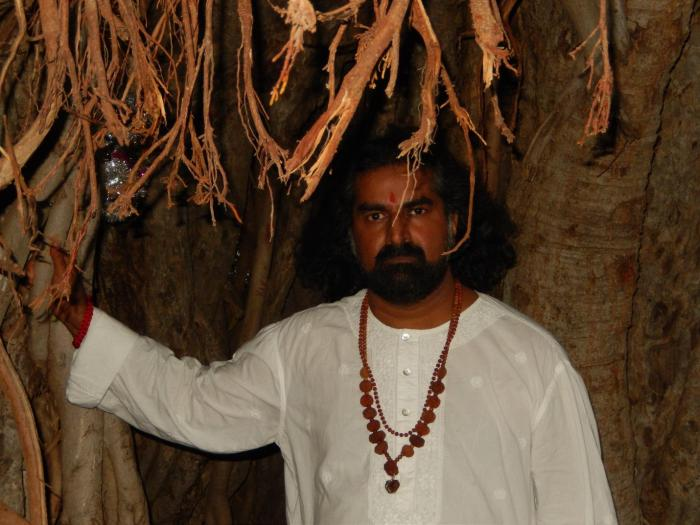 Under the Bunyan tree, where Sripada SriValabha used to be in communion with the GODs in the nights.