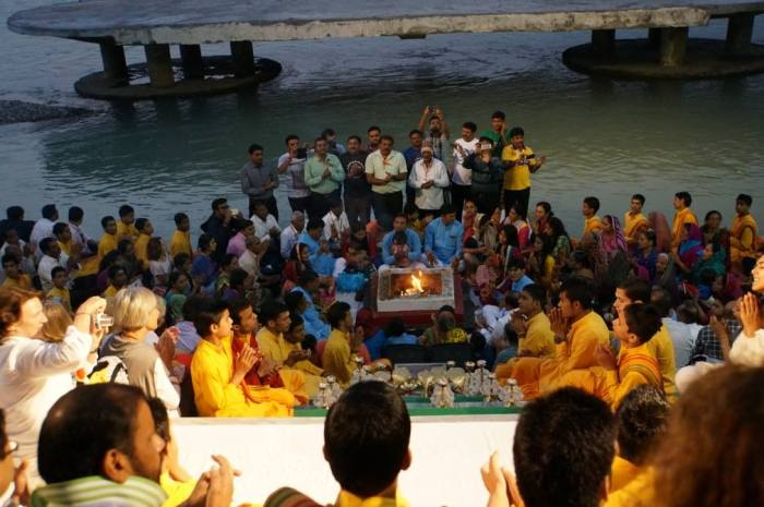 Enjoying arati to Mother Gnaga in the Rishikesh twilight