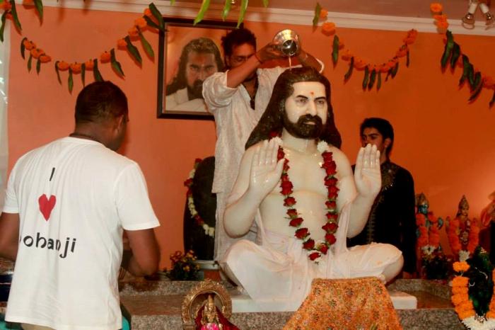 Merudanda ashram - abishekam to Mohanjis murthi