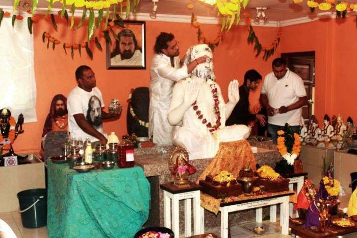 Merudanda ashram - welcoming Mohanjis murthi