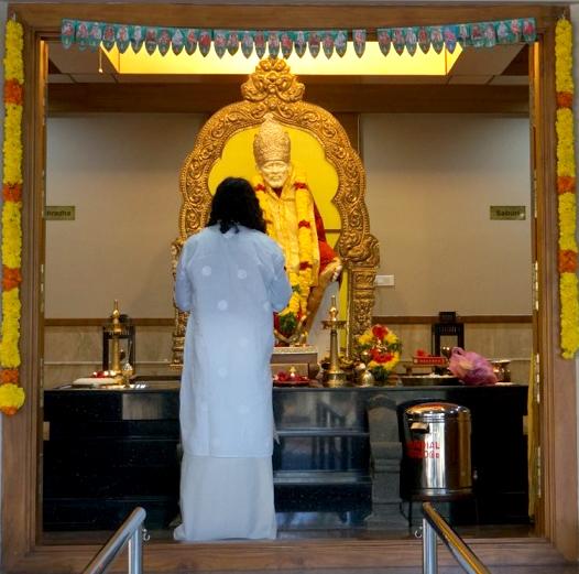 Mohanji in Sai Temple