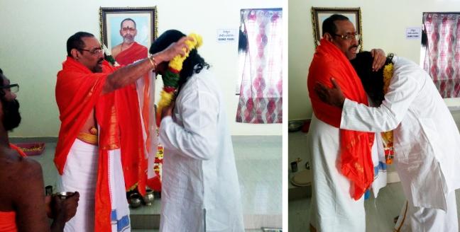 Swamy Thyagananda honouring Mohanji