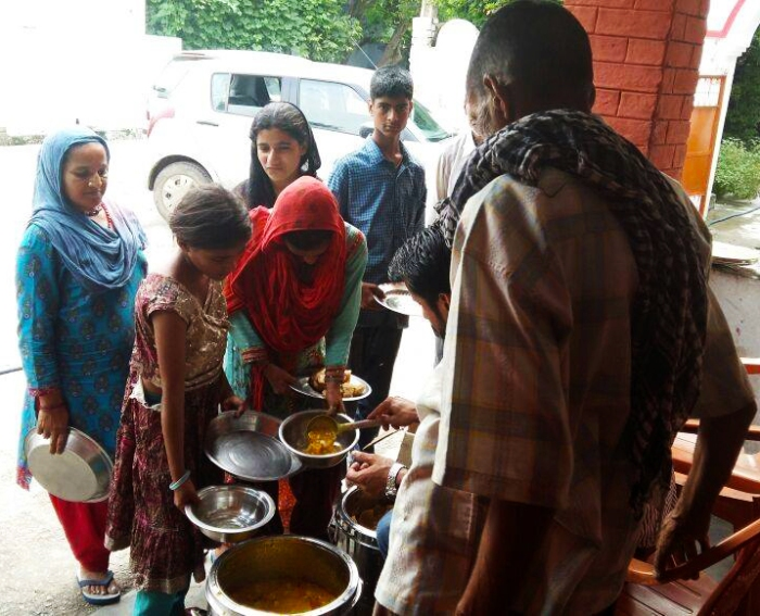 Food seva leprosy home - Jammu - Guru Purnima - Ammucare