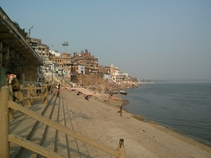 1-Benares-The-Ghats.jpg