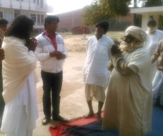 10-Kabir-Samadhi- Meeting mendicants at Kabir Samadhi mandir.jpg
