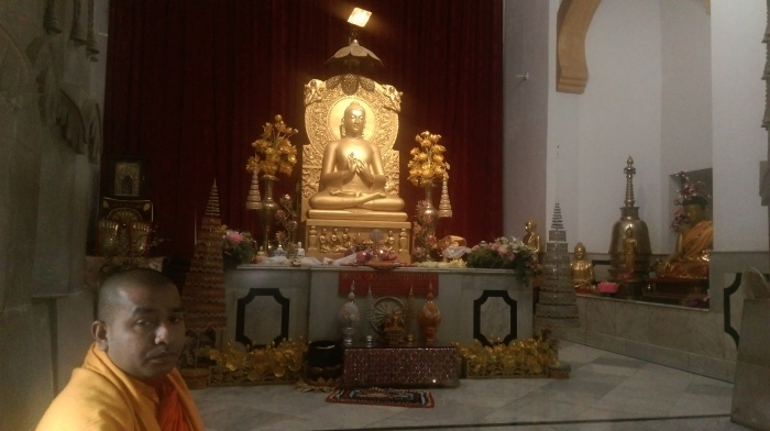 11-Sarnath-Lord Gautam Buddha on the golden throne.jpg