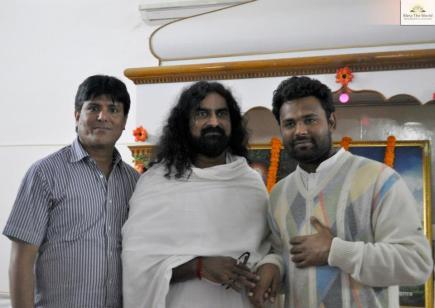 2013-02-13-19 - Mohanji - India - Allahabad - Maha Kumbh Mela (16)