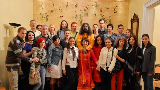 Loving moments after the Satsang with Mohanji in Vrsac at 'Tacka  Susretanja'