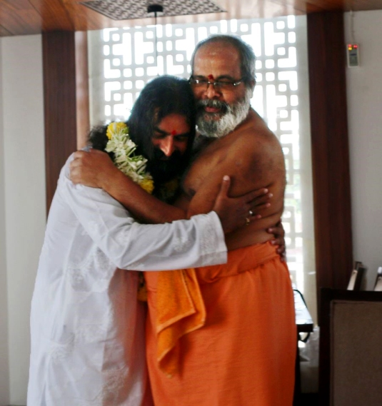 3 Sri Mohanji and Avadhoota Nadananda