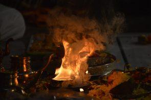 guru-tara-mayee-appearing