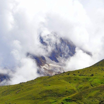 Mohanji face in the clouds in Badrinath