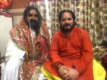 Mohanji with the chief priest of Vaishno Devi temple!