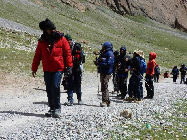 Mohanji_Kailash_carrying_ahead