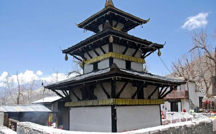 Muktinath_Temple_2.jpg