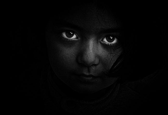 black-and-white-dark-eyes-18495