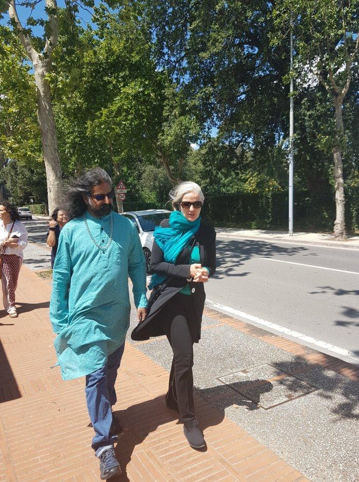 Mohanji_Assisi_walk1