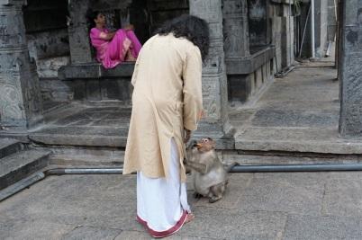 Hanuman Ji - holding Mohanji's clothing_650