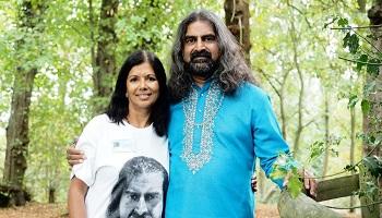 Rashila_with_Mohanji_350_200