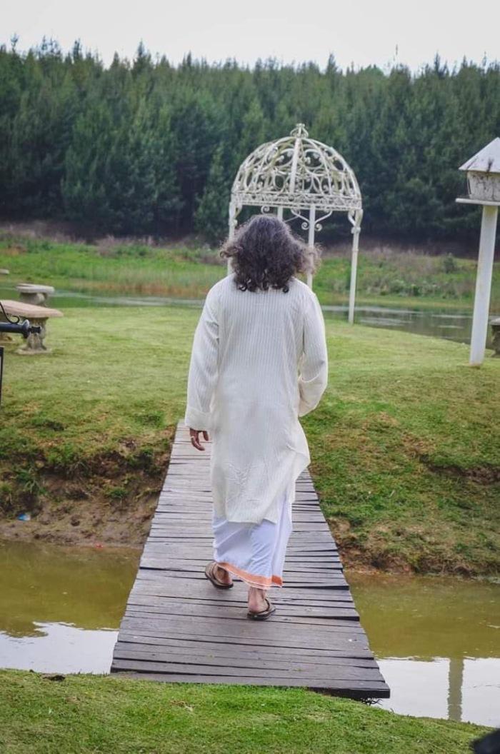 Mohanji Chronicles Blog - Timeless Leelas - Mohanji leading the Conscious Walk