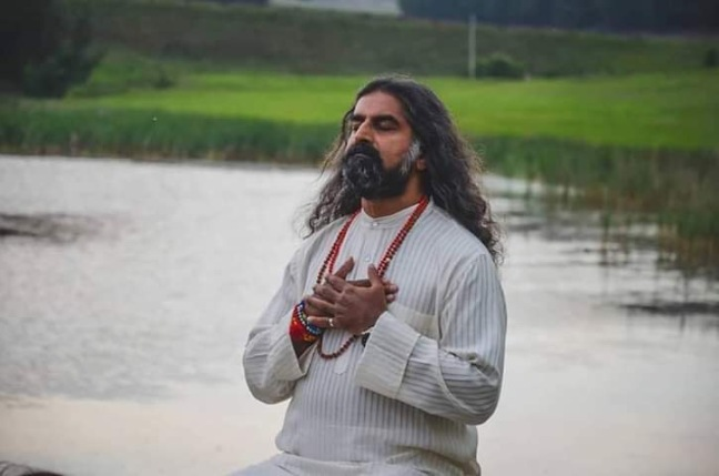 Mohanji Chronicles Blog - Timeless Leelas - Mohanji in deep contemplation in Mother Nature.