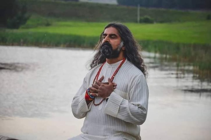 Mohanji Chronicles Blog - Timeless Leelas - Mohanji in deep contemplation in Mother Nature.