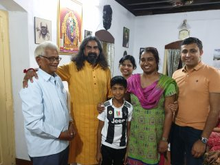 mohanji_with subha family