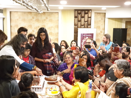 Mohanji sharing the cake - Happy birthday - Delhi 2019