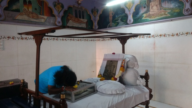 Mohanji Chronicles - Back from the dead – A tryst with Swami Samarth of Akkalkot - Mohanji offering prayers to padukas.jpg