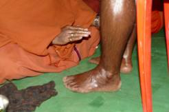 A Royal Vision_Mohanji Pressing leg of Shiva bhakta 2
