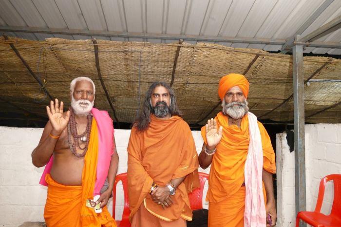 A Royal Vision_Mohanji with the Shiva Bhaktas