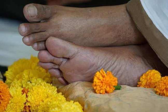 Mohanji Feet.jpg
