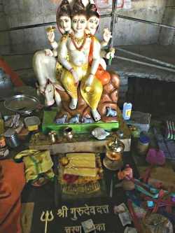 gurumurti-pavan-pad-chinhe