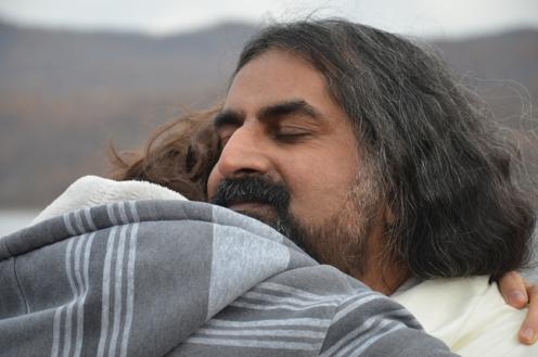 mohanji-hug-devotion-fb
