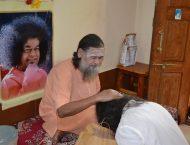 mohanjichronicles-Gopal Krishna Baba Blessing-2