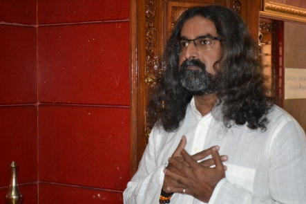 mohanjichronicles-Gopal Krishna Baba - Mohanji Poses-1