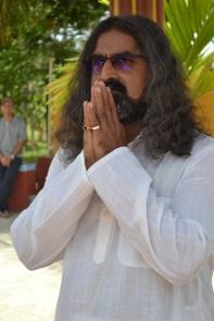 mohanjichronicles-Gopal Krishna Baba - Mohanji Poses-2